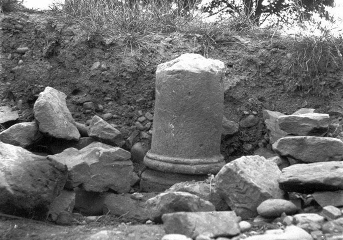Broken Stone Pillar : Bbc primary history romans in scotland